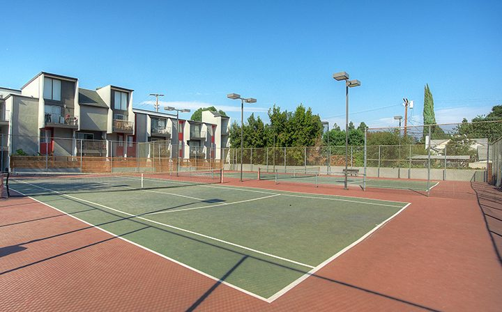 On-site tennis court at the Atwater Village apartments community Los Feliz Village in Los Angeles
