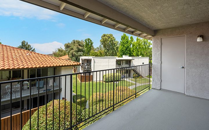 Balcony view from a studio unit at the Thousand Oaks apartments community Los Robles