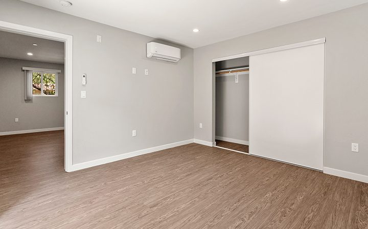 Unfurnished bedroom with closet in studio unit at the Thousand Oaks apartments community Los Robles