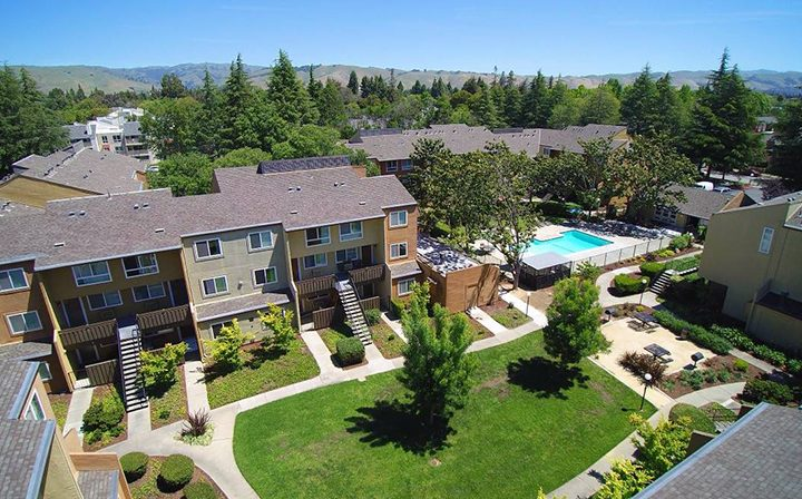 Aerial view of the Rancho Luna Sol community grounds, Fremont apartments in the Bay Area