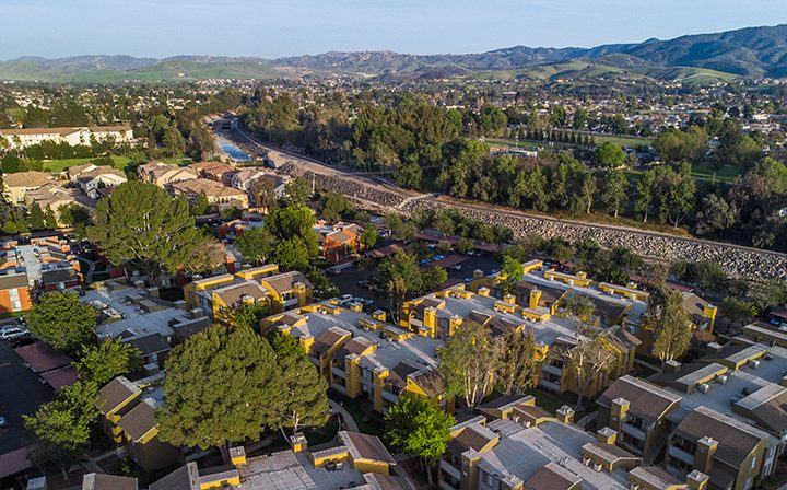 Aerial horizon view of Simi Valley apartments at River Ranch and surrounding neighborhood area