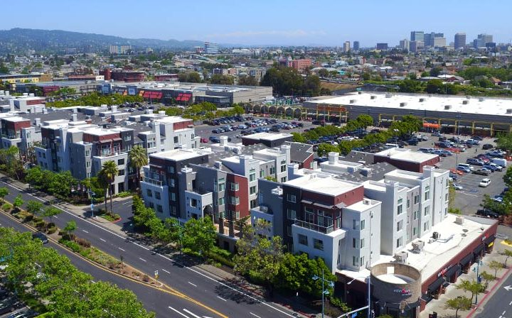 Arial view of Bay Area skyline and Bridgecourt, an Emeryville apartment community