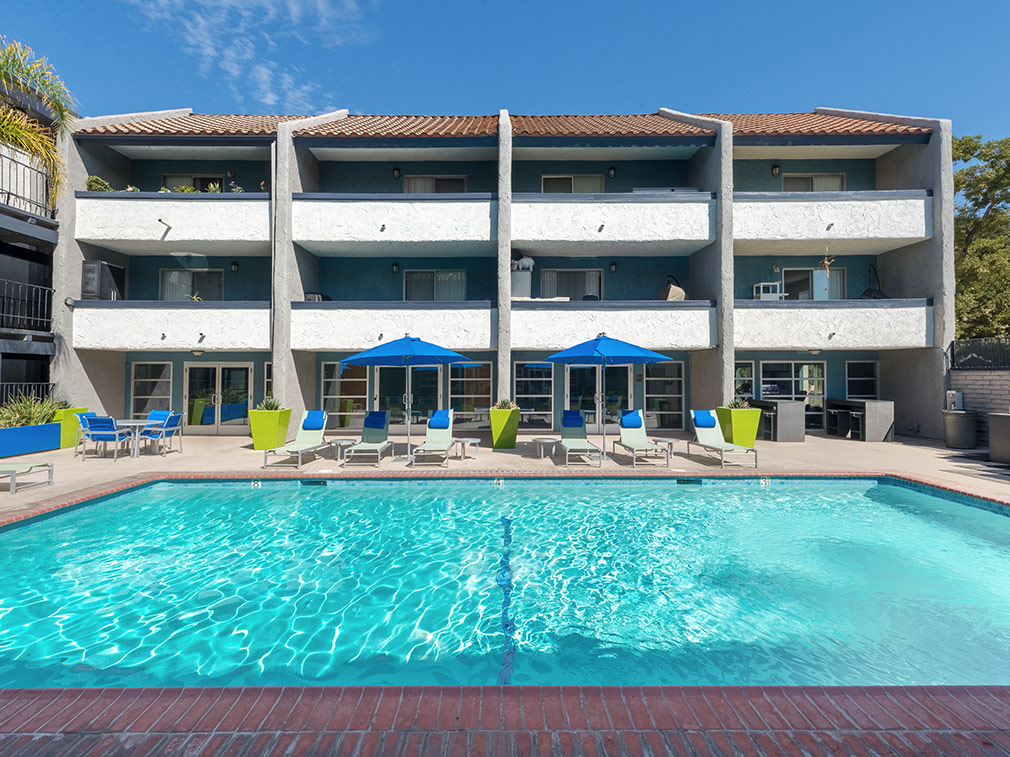 Large resort-style pool below units at The Howard, apartments in Glendale