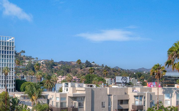 Alternate view of the city on a clear day from the The Jessica rooftop, apartments in Hollywood