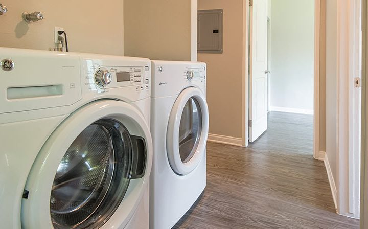 In-unit washer and dryer for convenience at The Retreat at Thousand Oaks apartments