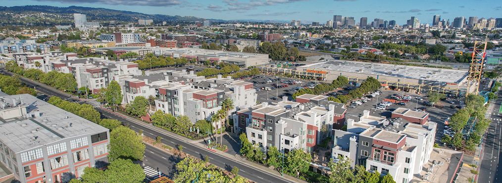 Featured Image for The Bridge at Emeryville Apartments: An Idyllic Home Base by the Bay