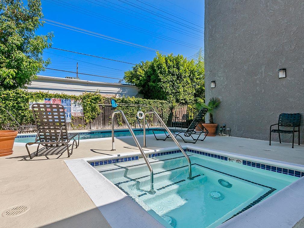 Villa Bianca spa and pool
