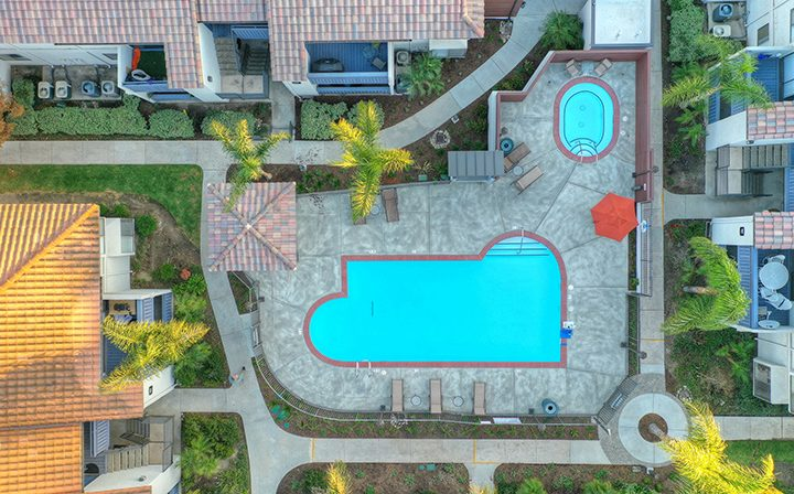 Aerial view of the pool and spa at Wood Ranch, Simi Valley apartments