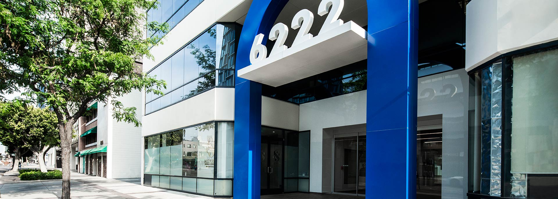 Street entrance to 6222 Wilshire, a Class-A Six-Story Los Angeles office building for rent