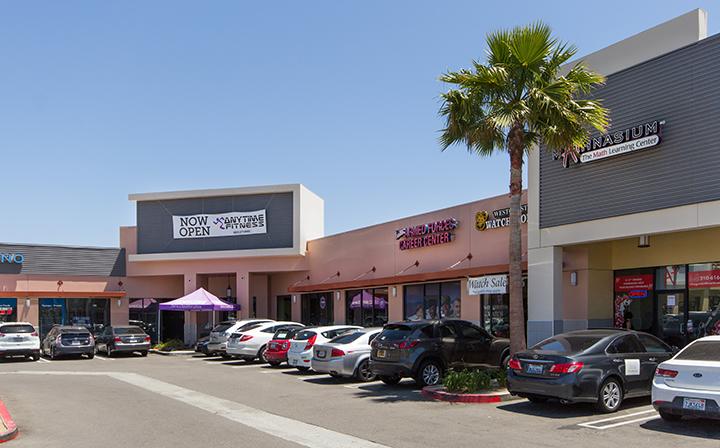 Various shops at The Hub - El Segundo