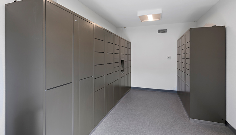 The Retreat at Thousand Oaks Package Lockers