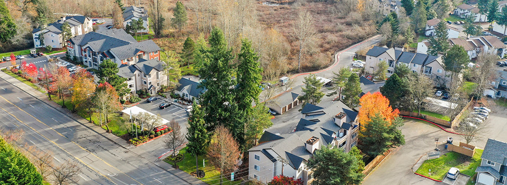 Aerial view of Indigo Springs apartment community in Kent, WA