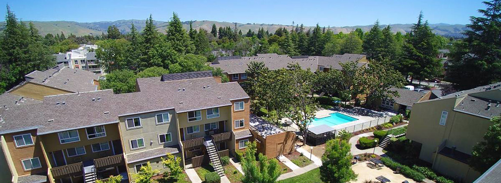 Aerial shot of Bay Area located Fremont apartment community Rancho Luna Sol