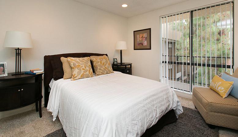 Bedroom at West Hollywood apartment Villa Francisca