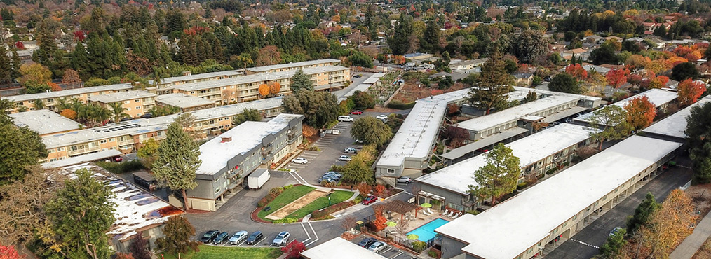 Aerial view of Highland Gardens, Decron's Mountain View apartments