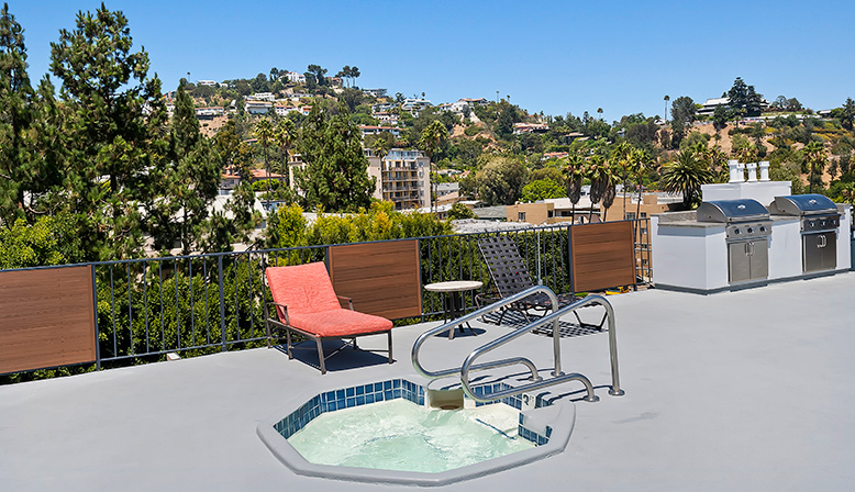 Rooftop spa and view at The Ruby Hollywood apartments