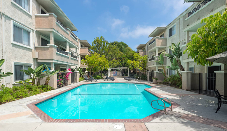 Large resort-style pool by apartments at Playa Pacifica, Playa del Rey apartments in Los Angeles