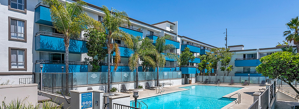 Beautiful resort-style pool at Westside Terrace, Decron's apartments near Culver City
