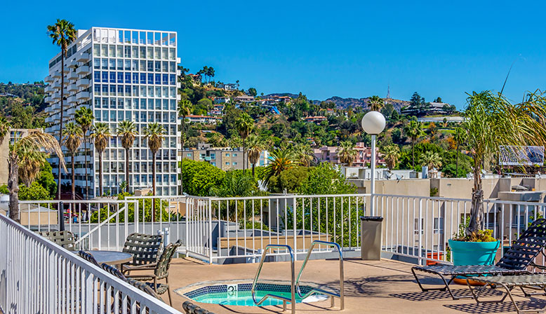 Rooftop spa with stunning view of the city at the Hollywood apartments community The Jessica
